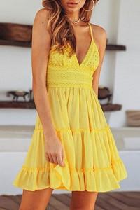 Żółta sukienka IVET mini z dekoltem w kształcie litery v