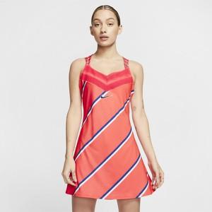Sukienka Nike na ramiączkach z dekoltem w kształcie litery v w sportowym stylu
