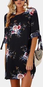 Sukienka Sandbella z długim rękawem z okrągłym dekoltem