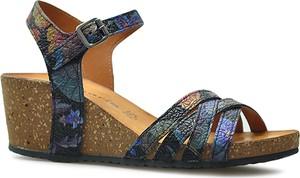 Sandały Tamaris z klamrami na średnim obcasie w stylu casual