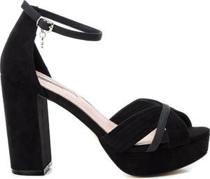 Sandały XTI z klamrami