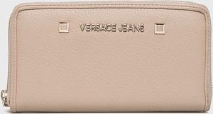 2e6864c77dacb Portfele damskie Versace Jeans, kolekcja wiosna 2019
