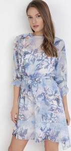 Niebieska sukienka born2be z okrągłym dekoltem mini w stylu casual