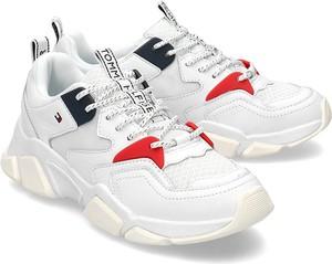 Sneakersy Tommy Hilfiger na platformie sznurowane