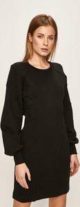 Czarna sukienka Diesel z długim rękawem z okrągłym dekoltem z bawełny