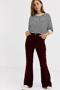 Czerwone jeansy Levis