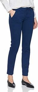Niebieskie jeansy amazon.de w stylu klasycznym