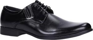 Buty Casu sznurowane