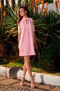 Różowa sukienka Lemoniade mini z dekoltem typu choker