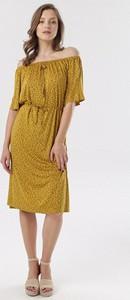 Żółta sukienka born2be w stylu casual