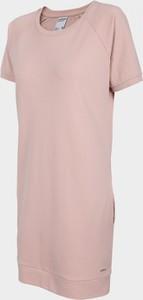 Różowa sukienka Outhorn z dzianiny z okrągłym dekoltem prosta