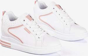 Sneakersy Royalfashion.pl z płaską podeszwą