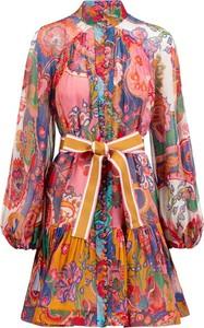 Różowa sukienka Zimmermann z jedwabiu z kołnierzykiem z długim rękawem