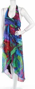Sukienka Valerie Bertinelli z dekoltem w kształcie litery v asymetryczna na ramiączkach