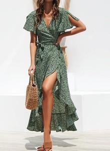 Zielona sukienka Arilook z krótkim rękawem z dekoltem w kształcie litery v