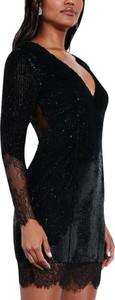 Sukienka Elegrina z długim rękawem z dekoltem w kształcie litery v