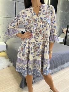Sukienka ModnaKiecka.pl oversize z długim rękawem z dekoltem w kształcie litery v