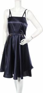 Granatowa sukienka Yumi rozkloszowana