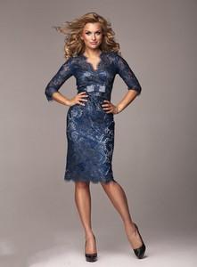 Niebieska sukienka Marselini z długim rękawem midi
