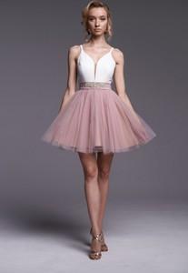 Różowa sukienka Ella Boutique z szyfonu
