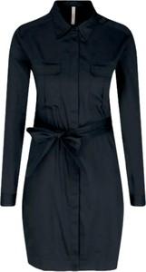 Czarna sukienka Pepe Jeans w stylu casual z kołnierzykiem z długim rękawem
