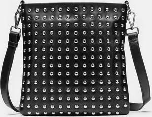 Czarna torebka Kazar zdobiona ze skóry na ramię