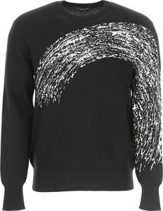 0974815602d4 czarno biały sweter - stylowo i modnie z Allani