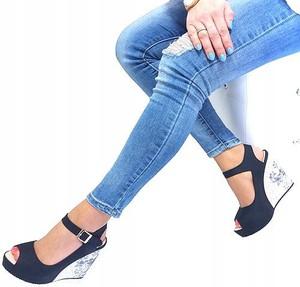 Czarne sandały HAVER ze skóry z klamrami na platformie