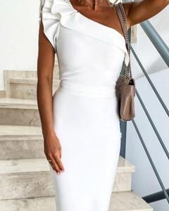 Sukienka Kendallme z dekoltem w kształcie litery v asymetryczna
