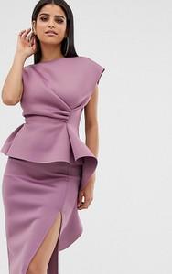 Różowa sukienka Asos baskinka