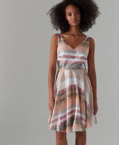 99b1ebe1 mohito sukienka w cekiny - stylowo i modnie z Allani