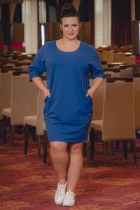 Niebieska sukienka KARKO mini w sportowym stylu z długim rękawem