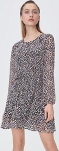 Sukienka Sinsay w stylu casual mini z okrągłym dekoltem