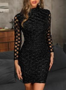 Czarna sukienka Cikelly z okrągłym dekoltem dopasowana mini