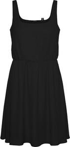 Czarna sukienka Vero Moda na ramiączkach w stylu casual mini