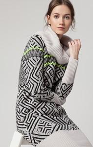 Sukienka Solar dopasowana w stylu casual z wełny