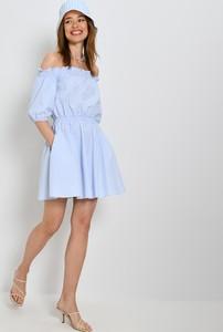 Niebieska sukienka Mohito z okrągłym dekoltem z długim rękawem mini