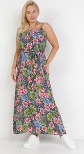 Sukienka born2be trapezowa maxi z okrągłym dekoltem