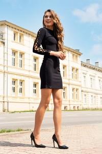 Sukienka MERRIBEL z okrągłym dekoltem mini w stylu casual