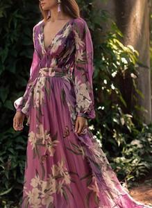Sukienka Sandbella z szyfonu z dekoltem w kształcie litery v