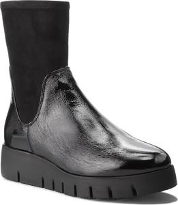 Czarne botki Unisa ze skóry ekologicznej w stylu casual
