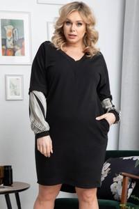 Czarna sukienka KARKO mini z dekoltem w kształcie litery v z bawełny