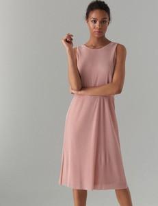 857bd1a60b Różowa sukienka Mohito bez rękawów midi