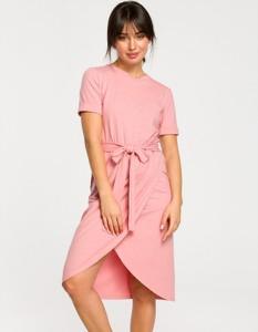 Różowa sukienka Be z bawełny