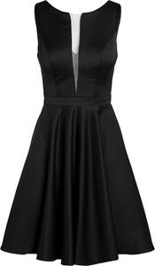 Sukienka Apart bez rękawów rozkloszowana z dekoltem w kształcie litery v