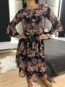 Sukienka ModnaKiecka.pl hiszpanka w stylu casual