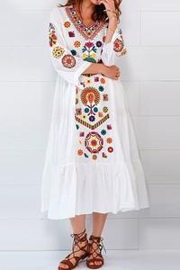Sukienka IVET trapezowa z dekoltem w kształcie litery v z długim rękawem