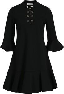 Czarna sukienka Silvian Heach z golfem w stylu casual rozkloszowana