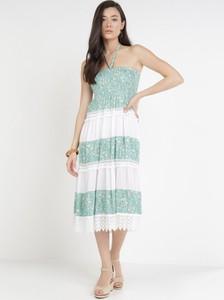Miętowa sukienka born2be bez rękawów z okrągłym dekoltem trapezowa