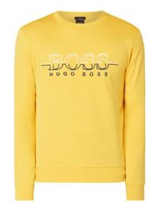 Żółta bluza Boss Athleisure w street stylu